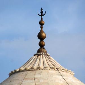 480px-Taj_Mahal_finial-1